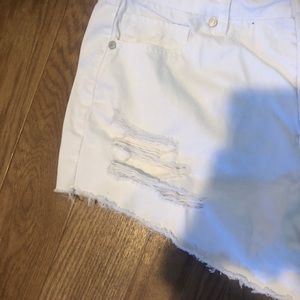 refuge Shorts - Distressed white shorts